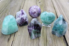 Hand-polished Fluorite sculptures - 6 to 8.5 cm - 1975 gm  (6)