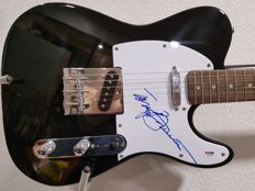 Stedman Pro Telecaster signed by Tony Bennett with COA of PSA/DNA