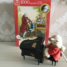 Steiff teddybear Wolfgang Amadeus Mozart - 657108 - Germany - with Jumbo Puzzle + CD
