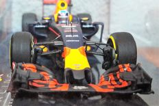Minichamps - Scale 1/43 - Red Bull RB 12 GP Spain 2016 - Max Verstappen