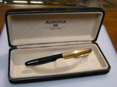 Aurora 88K fountain pen with gold cap in 18 kr laminated gold-14 Kt gold nib