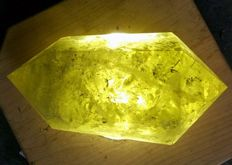 Beautiful double citrine point – 260 mm x 140 mm – 4.6 kg