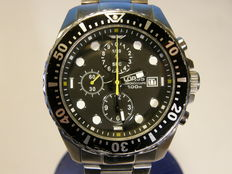 lorus men's chronograph 100 meter diver with date model: YM92-X205