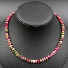 Peach blossom jade necklace in the shape of lentils - lobster clasp genuine 925 silver