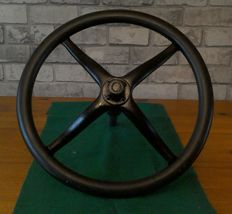 T Ford steering wheel - diameter 41 cm - period +/- 1908 to 1927