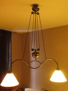 Antique Art Deco brass pulley hanging lamp - 2 milk glass shades