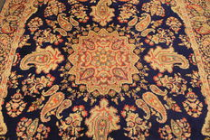 Magnificent hand-woven vintage Persian carpet, mirror Lawer Kirman, made in Iran around 1970 Royal 215 x 320 cm
