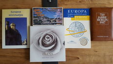 World - various coin sets (5 pieces) including silver.