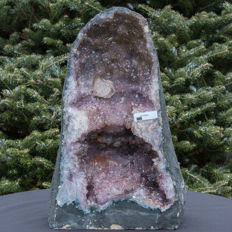 Purple polished Amethyst geode with calcite. -38 x 24 x 20 cm -15, 75 kg
