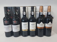 Late Bottled Vintage Port: Graham's LBV 2011 x2 & Dow's LBV 2011 x2 & Taylor's LBV 2010 x2 - 6 bottles