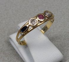14 kt gold ring with sapphire and ruby