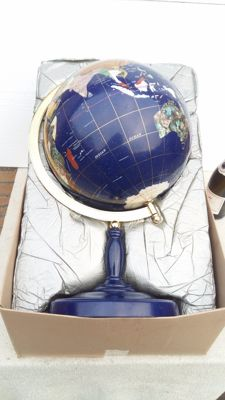 Large and heavy World Globe - Lapis Lazuli and a variety of Precious Stones with Mother-of-Pearl - 60cm - ca. 5500gm