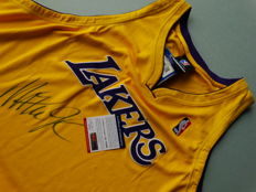 Magic Johnson - Originally hand singed by Magic Johnson jersey + COA PSA/DNA.