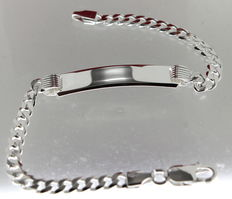 Silver bracelet with engraving plate