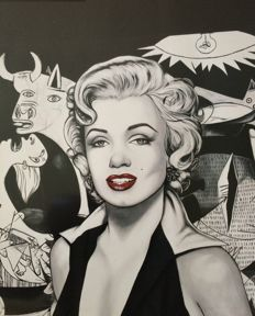 Antonio de Felipe - Marilyn Monroe with Picasso´s Guernica Backgroung