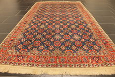 A rare and beautiful old Persian carpet, Beramin Qum, made in Iran around 1950, cork wool, plant colours, 118 x 210 cm, very good