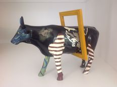 Jody Silver Schwarz-Cow Parade-Cowparade-Mooseum Lover-Resin-LARGE and RETIRED in original box!