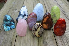 Collection of free-standing Mineral tumbles - 8 to 11,5cm - 3,84kg  (9)