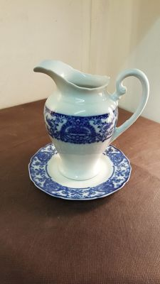 Hutschenreuther - Tea serving carafe.
