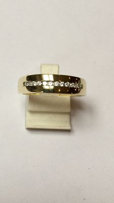 14 kt gold men's ring with zirconias in rail setting