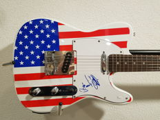 Stedman Pro USA Telecaster signed by Frankie Valli with COA of JSA