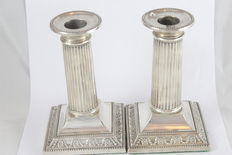A Pair of silver candle stick holders - 1902 - Sheffield - England - James Deakin & Sons
