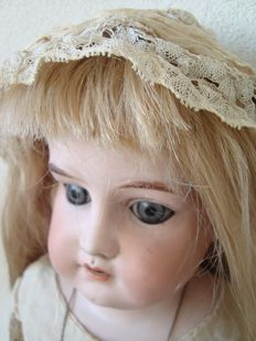 Antique doll - Germany Lissy - Germany.