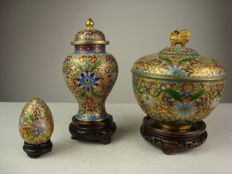 Three champlevé cloisonné items - China - Approx. 1975