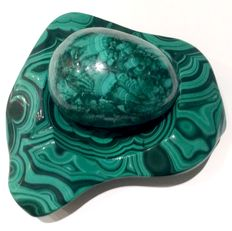 Large Malachite egg, set in heavy half-polished Malachite bowl - 20 x 16cm  - 4,300kg
