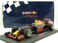 Minichamps - Schaal 1/18 - Red Bull Racing TAG Heuer RB12 - Max Verstappen - Winner GP Spain 2016