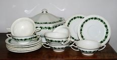 Maria Stachelbeere Rosenthal - 14 porcelain tableware pieces.