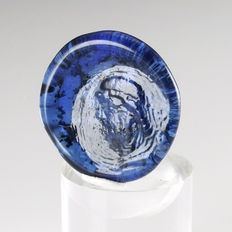 Roman blue glass seal with portrait - 27,7 mm