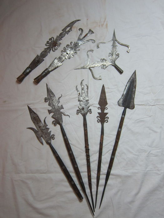Lot of 5 African spears, 2 knives and 1 spear top - KONDA - D.R. Congo