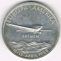"""Weimar Republic, History of Aviation - Silver Medal 1928 commemorating to the East-West Flight of """"Bremen"""""""