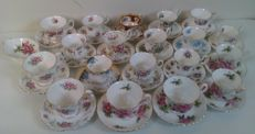 Royal Albert  porcelain - 37 pieces - large lot with cups and saucers with a bonbon tray