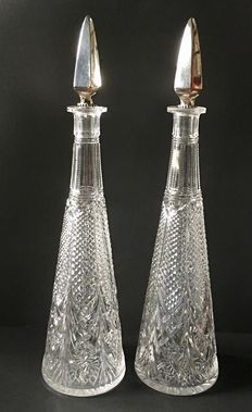 Pair of crystal cut decanters with silver stop, Netherlands, 1814-1906