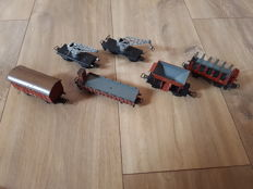 Märklin H0 - 381/367/372- Two cranes and 4 freight carriage