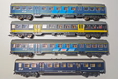 Märklin/Roco HO - 4049.2/42321/44292/677 - one plan E carriage and three plan W carriages of the NS
