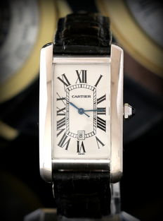 Cartier Tank American – 18 kt White gold –  Case condition: Like new – Never polished.