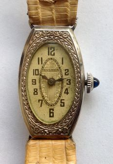 Bulova art deco women's watch, 1920s/1930s, in good condition with matching box