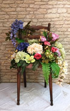 Vintage chair planter in country style - Italy