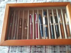 Lot of 6 ballpoint pens and 6 matching fountain pens
