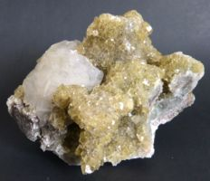 Yellow fluorite with calcite - 14.5 x 10 cm - 1268 kg
