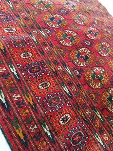 Handmade oriental carpet. Authentic antique Tekke Boukhara, 155 x 105 cm, circa 1930!!!