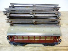 Märklin, Germany - Spoor 0 - Tin 4-axle Mitropa Speisewagon No 17520 and Märklin Spoor 0,1920s/30s
