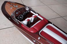 Italian boat model Riva Aquarama - red and white finishing of the upholstery