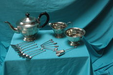 Victoria style English tableware-Silver plate-stamped sheffield