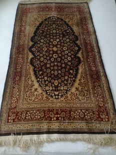 Turkish Hereke hand-knotted silk prayer rug – 124 x 72 cm – Davoud Ermia, Tehran