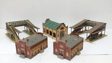 Faller H0 - To and from the station buildings, goods shed, platform bridge...
