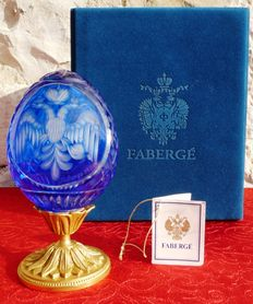 "Imperial Fabergé Luxury Egg (1 kg / 17 cm) - Collection ""Pure Embossed Cobalt Crystal"" - numbered 32 / 100 - signed"